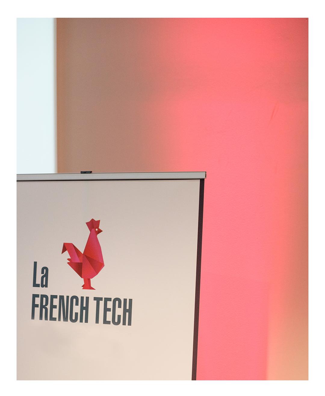 Logo French Tech et écriture, kakemono
