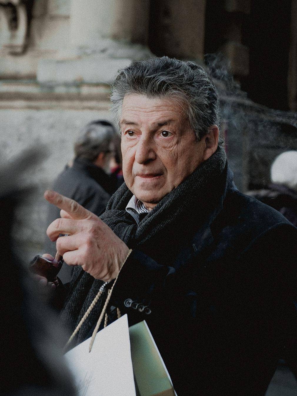 A man with a cigar, Italia, Milano